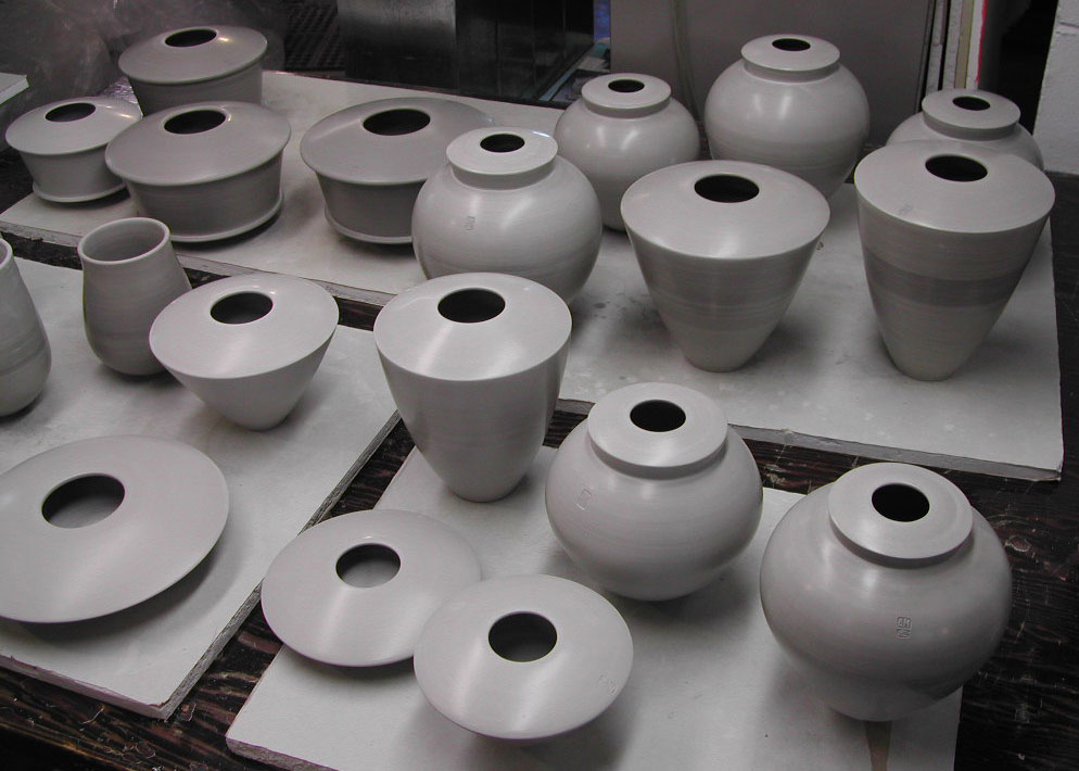 White earthenware clay pots